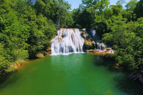 Serra da Bodoquena Waterfalls (Overnight stay and transportation included)